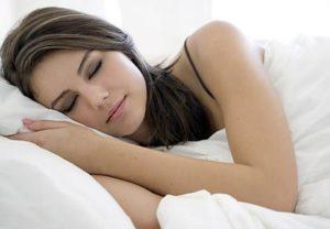 睡眠中のブラは必要